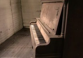 please-play-me-piano-ii-1206303